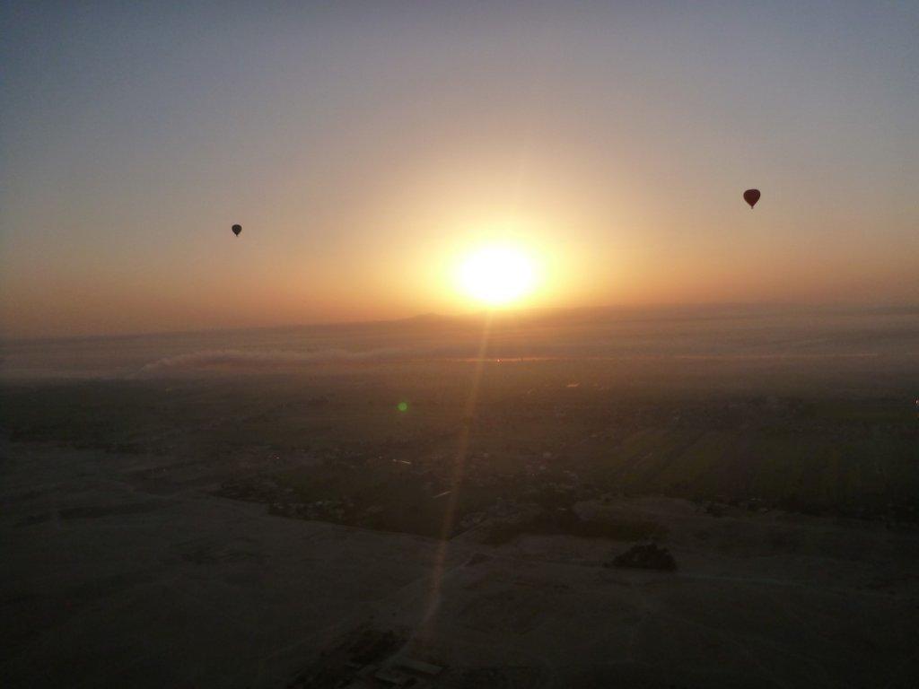 balloons-at-sunrise