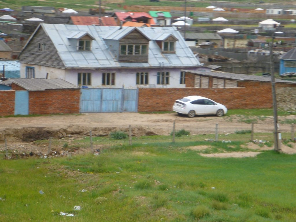 prius-is-popular-in-mongolia
